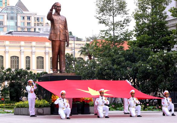 Học minh triết Bác Hồ để nâng tầm trí tuệ Việt Nam - Ảnh 2.