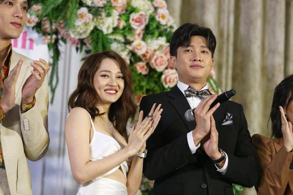 Đạo diễn triệu view Đinh Hà Uyên Thư và Bảo Anh làm phim Thoát ế - Ảnh 5.