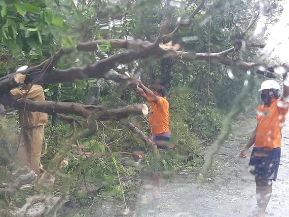 Dịch COVID-19 chưa qua, Ấn Độ, Bangladesh phải sơ tán hàng triệu dân vì siêu bão - Ảnh 3.