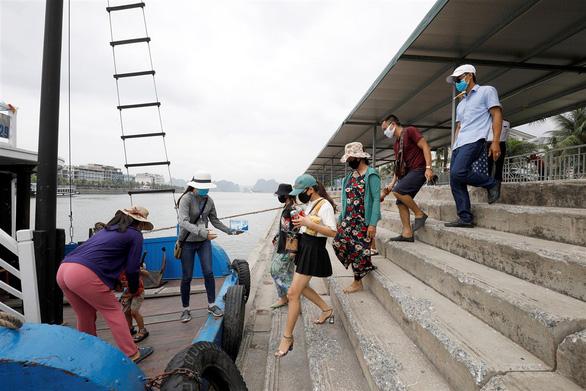 Reuters: Việt Nam có thể tham gia du lịch biệt lập với nước khống chế dịch thành công - Ảnh 3.