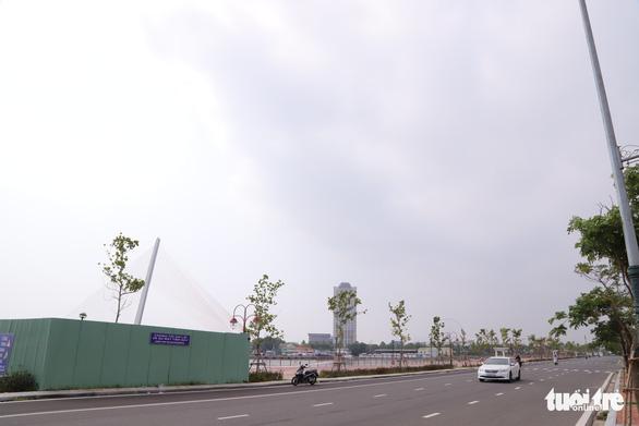 Đà Nẵng tạm dừng dự án phố đi bộ - chợ đêm Bạch Đằng - Ảnh 1.