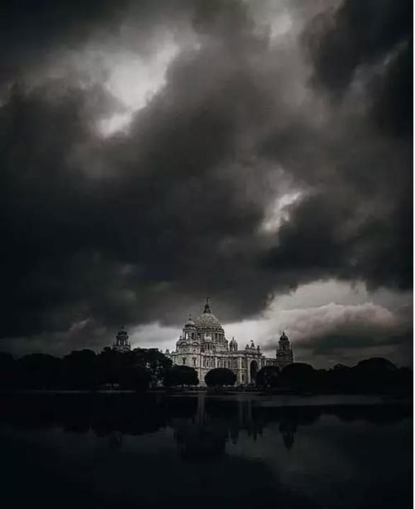 Dịch COVID-19 chưa qua, Ấn Độ, Bangladesh phải sơ tán hàng triệu dân vì siêu bão - Ảnh 1.