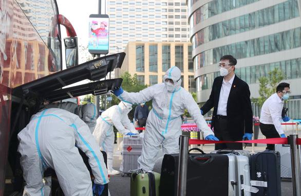Hàn - Trung đi đường tắt trốn virus - Ảnh 1.