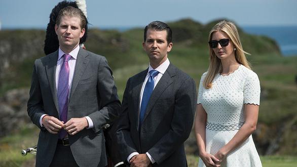 Ba người con ông Trump xuất chiêu ủng hộ cha tái đắc cử - Ảnh 4.