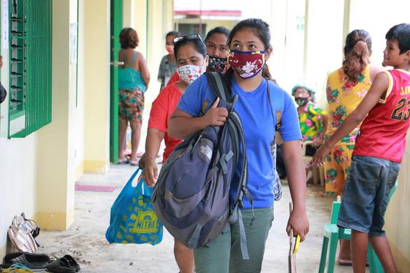 Philippines đính chính thông tin trải qua làn sóng COVID-19 thứ 2 - Ảnh 1.