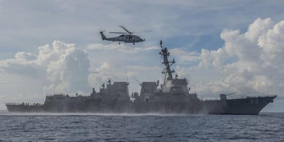 Mỹ: Trung Quốc đang thách thức quân đội Mỹ trên Biển Đông trong dịch COVID-19 - Ảnh 1.
