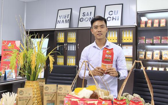 Chàng trai đưa bánh tráng Việt ra 42 quốc gia - Ảnh 1.