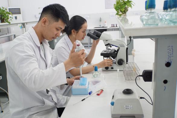 Đại học Quốc tế Hồng Bàng tuyển sinh 16 ngành dạy hoàn toàn bằng tiếng Anh - Ảnh 1.
