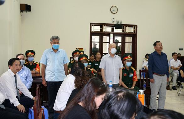 Cựu thứ trưởng Bộ Quốc phòng Nguyễn Văn Hiến lãnh 4 năm tù, Út trọc 20 năm tù - Ảnh 1.