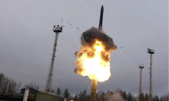 Mỹ lập mạng lưới vệ tinh theo dõi vũ khí siêu thanh của Nga, Trung Quốc - Ảnh 1.