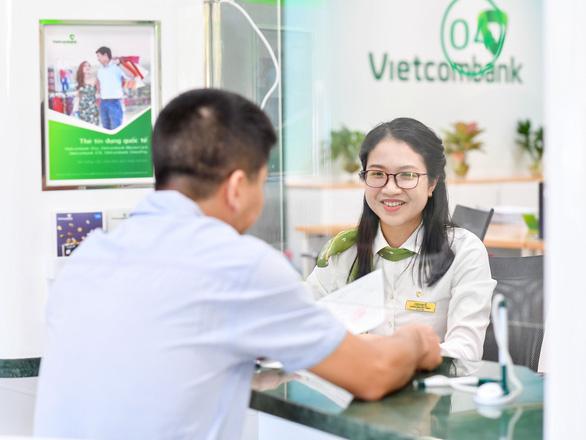 Vietcombank giảm đồng loạt lãi vay giai đoạn 3 cho khách hàng cá nhân - Ảnh 1.