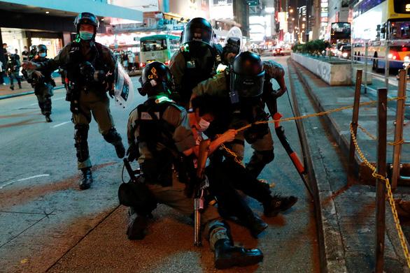 Ông Trump: Mỹ sẽ hành động mạnh mẽ nếu Trung Quốc áp luật an ninh mới lên Hong Kong - Ảnh 2.
