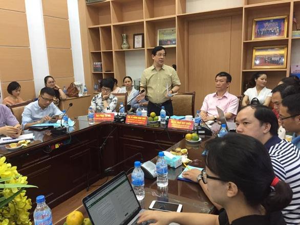 Việt Nam 0 ca mới, có đề nghị tài trợ chuyển bệnh nhân phi công người Anh về nước - Ảnh 1.