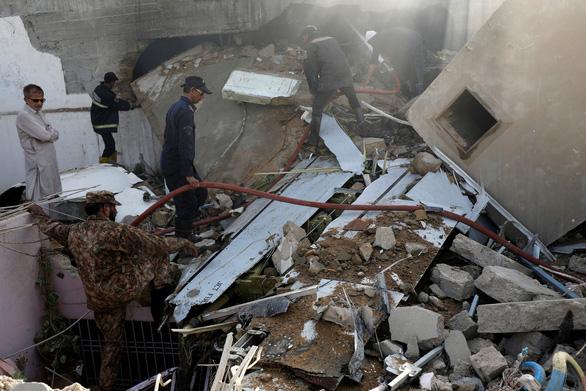 Lời cuối của phi công máy bay Pakistan: Động cơ hỏng rồi - Ảnh 3.