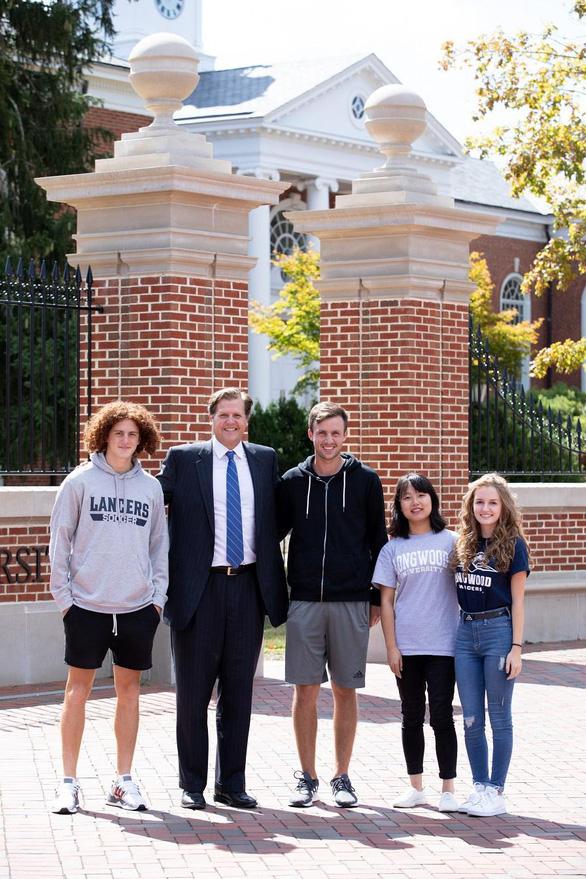 Cơ hội thực tập 100% và học bổng tới 1,5 tỉ tại Đại học Longwood, Mỹ - Ảnh 1.