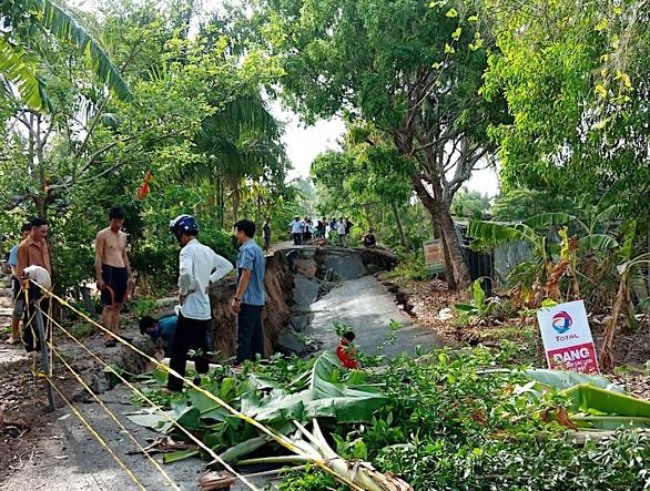 Trong 3 tháng, tuyến đường ở Cà Mau sụt lún đến 10 lần - Ảnh 1.