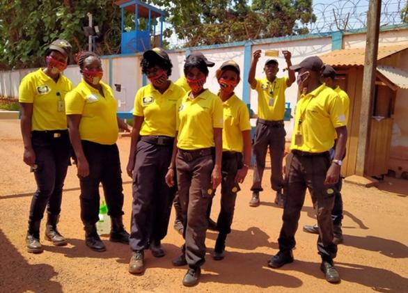 Mũ nồi xanh Việt Nam làm đại sứ chống COVID-19 tại Cộng hòa Trung Phi - Ảnh 2.