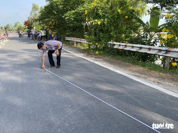 Quốc lộ 91 tiếp tục rạn nứt nửa mặt đường với chiều dài hơn 20m - Ảnh 3.
