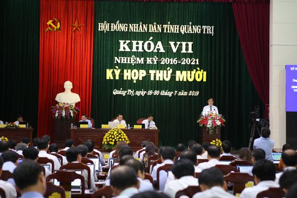 Chính thức miễn nhiệm chủ tịch UBND tỉnh Quảng Trị - Ảnh 1.
