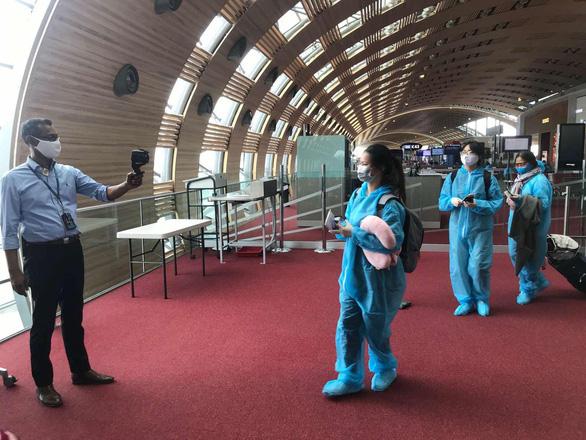 Việt Nam còn 58 bệnh nhân COVID-19 đang điều trị tại các cơ sở y tế - Ảnh 1.