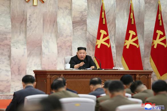 Ông Kim Jong Un chủ trì họp nâng cao năng lực hạt nhân của Triều Tiên - Ảnh 2.