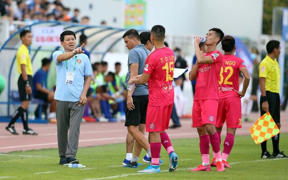 Sau trận thua, lãnh đạo CLB Sài Gòn chê cách tổ chức của VPF - Ảnh 2.