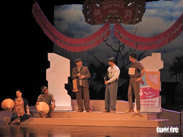 Chủ tịch Quốc hội xem kịch Lưu Quang Vũ về bệnh dối trá, phô trương của một thời - Ảnh 6.