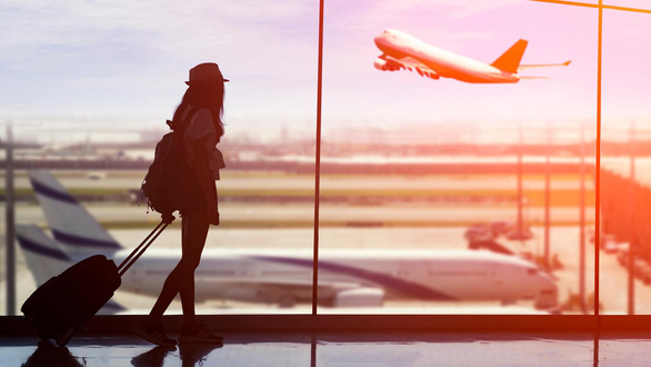 Học giả Đài Loan: Đi lại quốc tế phải mất cả năm mới phục hồi - Ảnh 1.