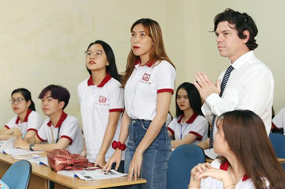 Đào tạo ngôn ngữ Hàn - Trung - Anh: giải cơn khát của thị trường nhân lực - Ảnh 1.