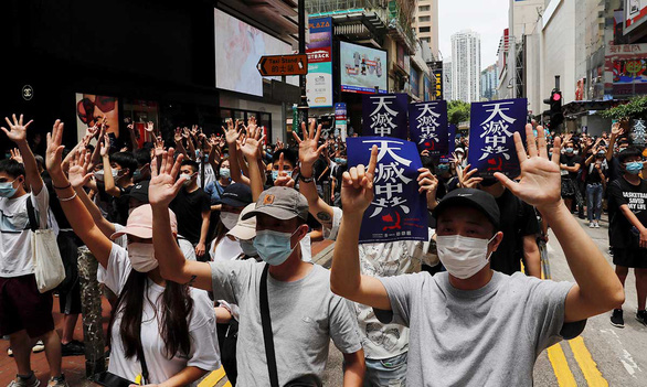 Bắc Kinh: Hong Kong là chuyện nội bộ của Trung Quốc, các nước đừng can thiệp - Ảnh 1.