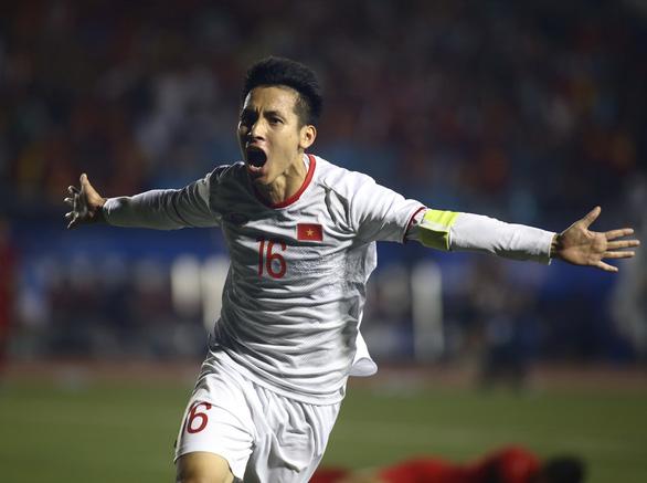 Hùng Dũng hay Quang Hải, ai sẽ đoạt Quả bóng Vàng Việt Nam 2019? - Ảnh 2.