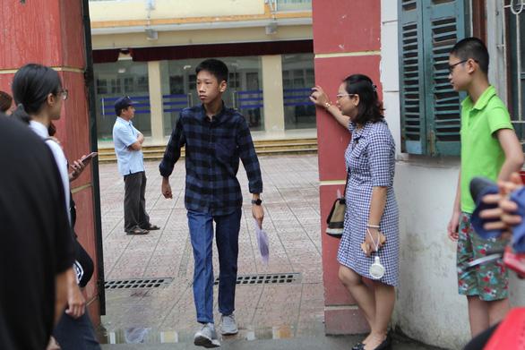 Hà Nội công bố chỉ tiêu tuyển sinh lớp 10 các trường công lập - Ảnh 1.