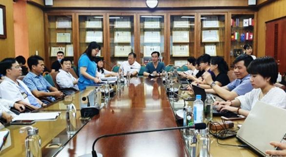 Bệnh viện Bạch Mai làm rõ tố cáo vận chuyển 1km thu 300.000 đồng - Ảnh 1.