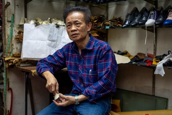 Tiểu thương Hong Kong đang sống trong sợ hãi - Ảnh 4.
