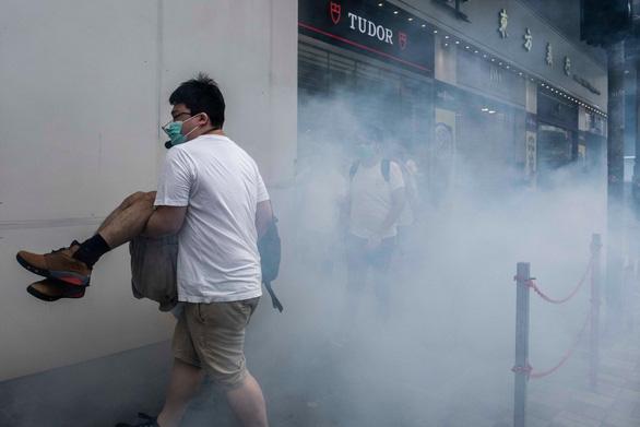 Cảnh sát Hong Kong: Không tha thứ những kẻ bạo loạn - Ảnh 2.