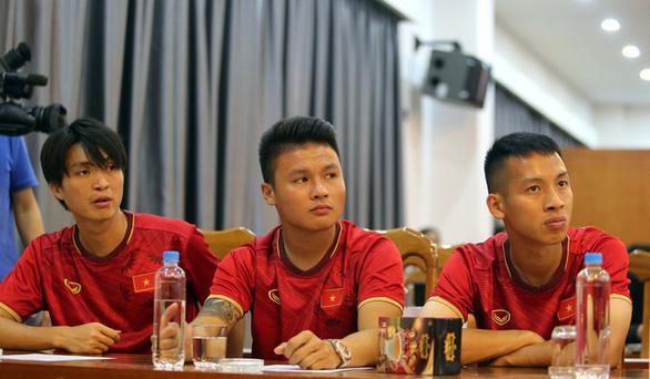 King Coffee của bà Diệp Thảo tài trợ đội tuyển bóng đá Việt Nam - Ảnh 2.