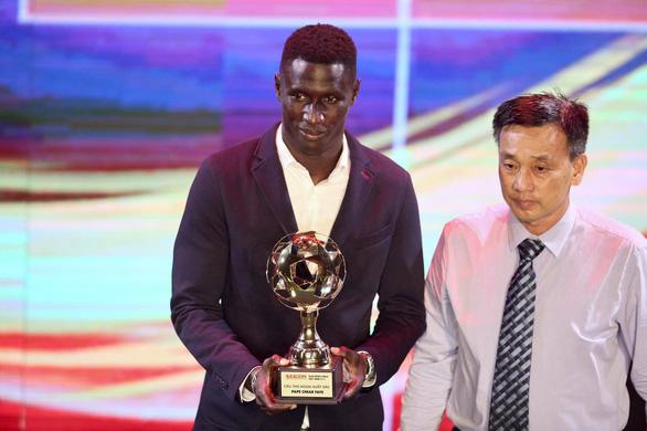 Đỗ Hùng Dũng và Huỳnh Như đoạt Quả bóng vàng 2019 - Ảnh 11.