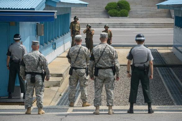 Triều Tiên và Hàn Quốc đều vi phạm thỏa thuận khi nổ súng tại DMZ - Ảnh 1.