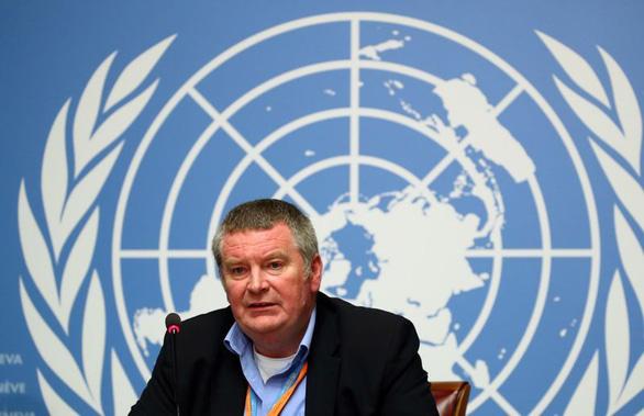 WHO: Các nước dỡ phong tỏa sớm sẽ hứng đỉnh dịch thứ 2 - Ảnh 1.