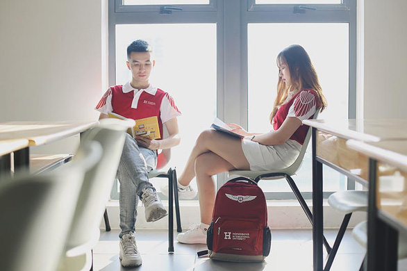 HIU nhận hồ sơ đăng ký xét học bạ đợt 2 đến ngày 30-6 - Ảnh 3.