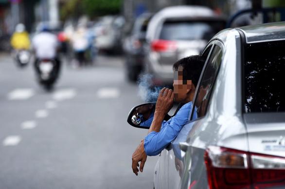Trên 90% người ung thư phổi liên quan tới thuốc lá - Ảnh 1.