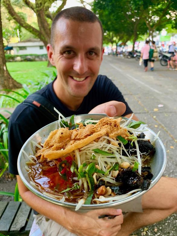 Cặp đôi blogger ẩm thực New Zealand: Về nước rồi vẫn nhớ hoài súp cua óc heo - Ảnh 5.