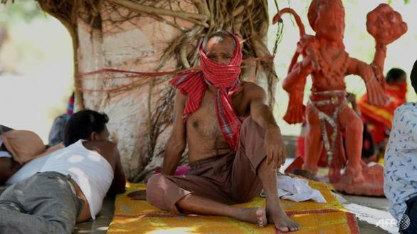 Ấn Độ như thiêu đốt trong nắng nóng 50 độ C - Ảnh 4.