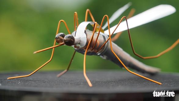 Kho hàng nghìn côn trùng độc đáo làm từ vật dụng bỏ đi của chàng trai 9X - Ảnh 7.