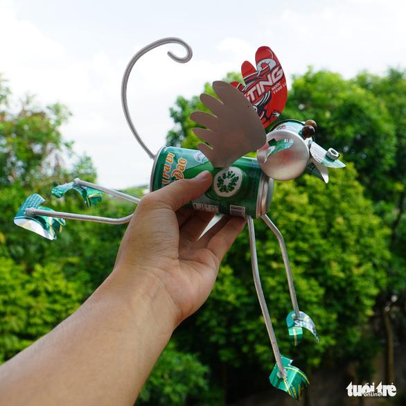 Kho hàng nghìn côn trùng độc đáo làm từ vật dụng bỏ đi của chàng trai 9X - Ảnh 6.