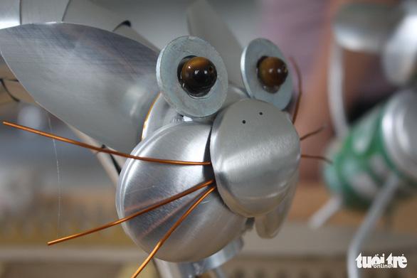 Kho hàng nghìn côn trùng độc đáo làm từ vật dụng bỏ đi của chàng trai 9X - Ảnh 4.