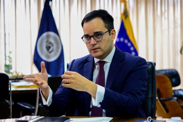 Venezuela thỏa thuận mua thực phẩm và thuốc men chống dịch COVID-19 trả bằng vàng - Ảnh 2.