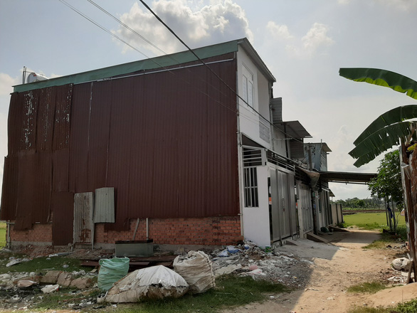 Sở Xây dựng TP.HCM buộc ngân hàng cung cấp tài khoản chủ nhà trái phép bị cưỡng chế - Ảnh 2.