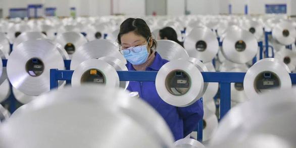 Chuyển dịch khỏi Trung Quốc: Việt Nam nằm trong nhóm đón ngành điện tử - Ảnh 1.