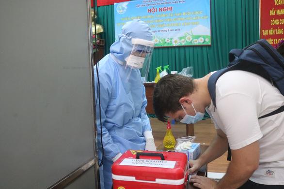TP.HCM: Người nước ngoài muốn khám chữa bệnh phải cách ly đủ 14 ngày - Ảnh 1.